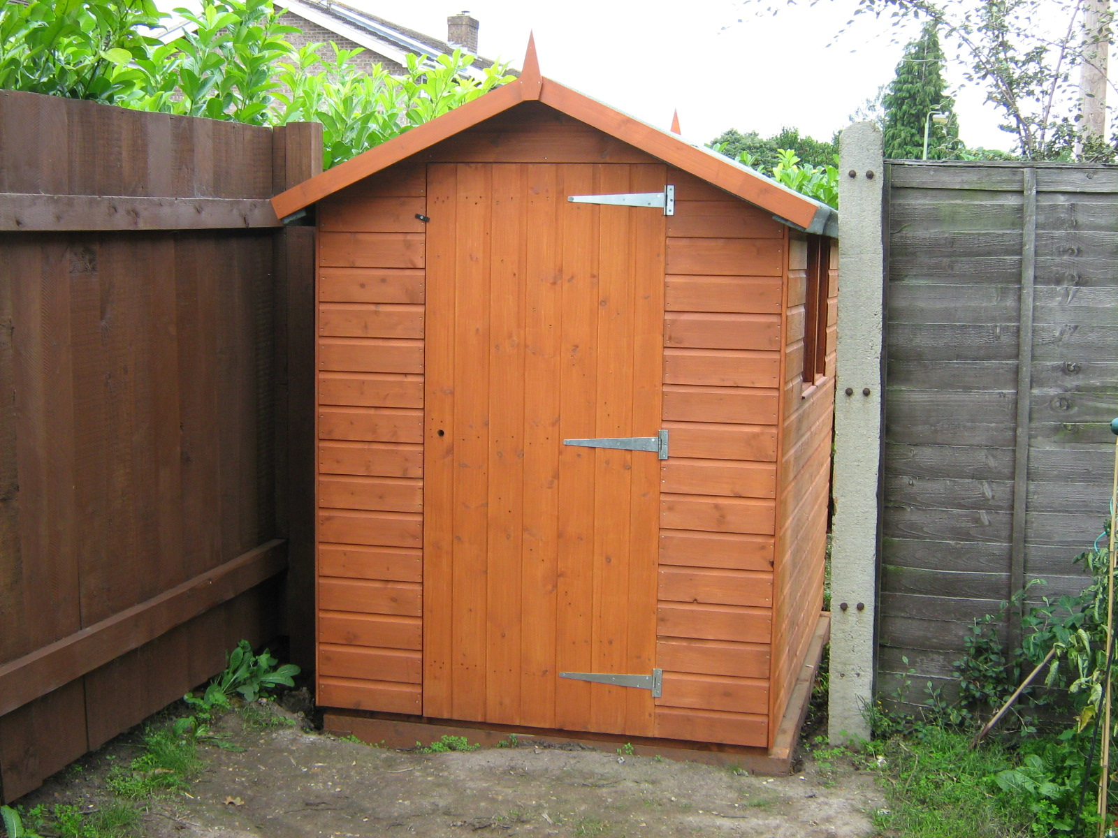 Sheds and accessories for garden tool storage shed for Outdoor tool shed