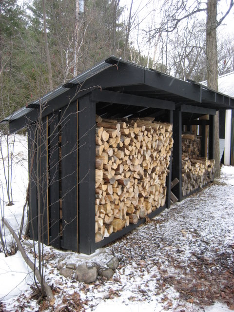 simple woodshed design