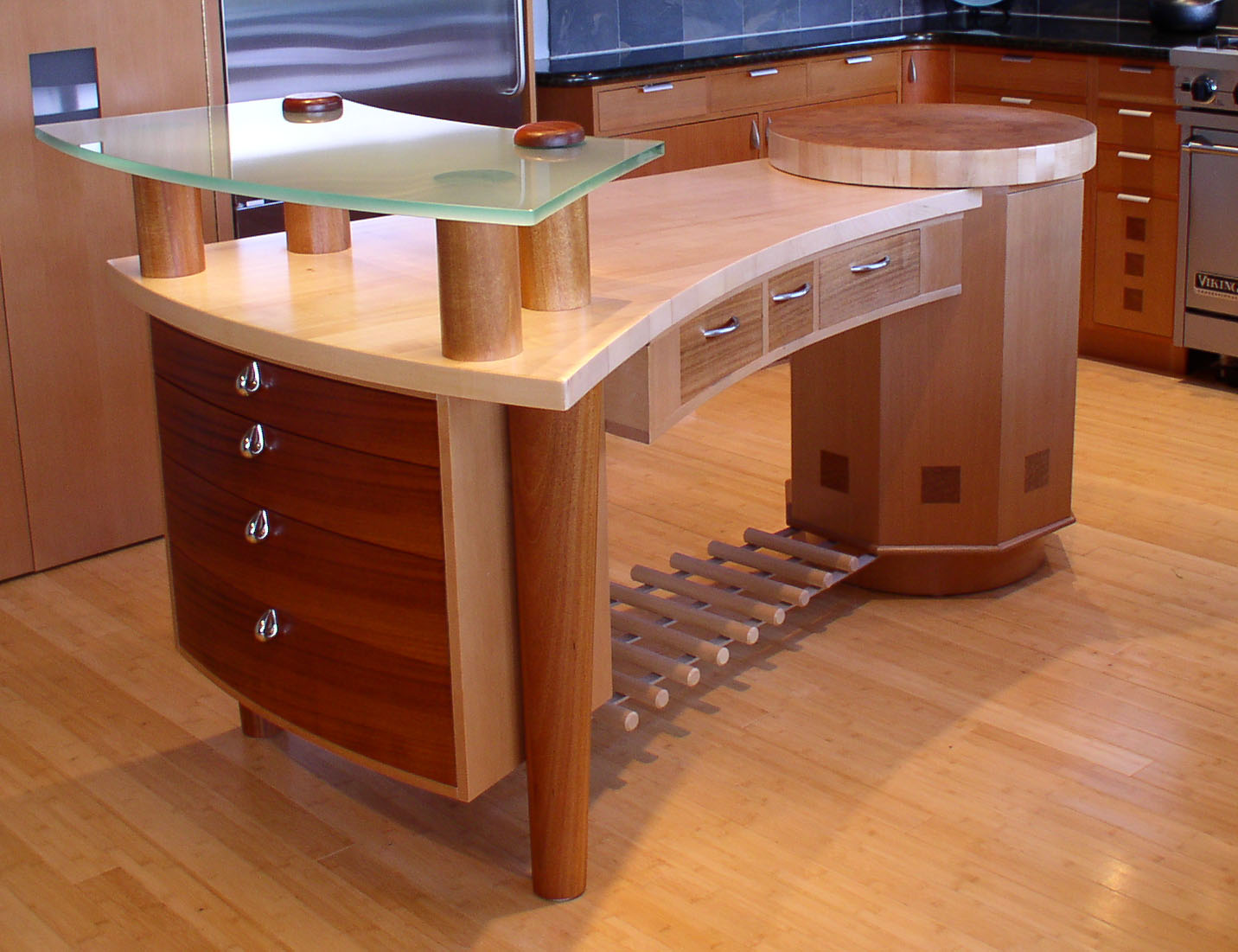 Wood Desk Ideas ~ Woodworking with pine made easy these tips shed